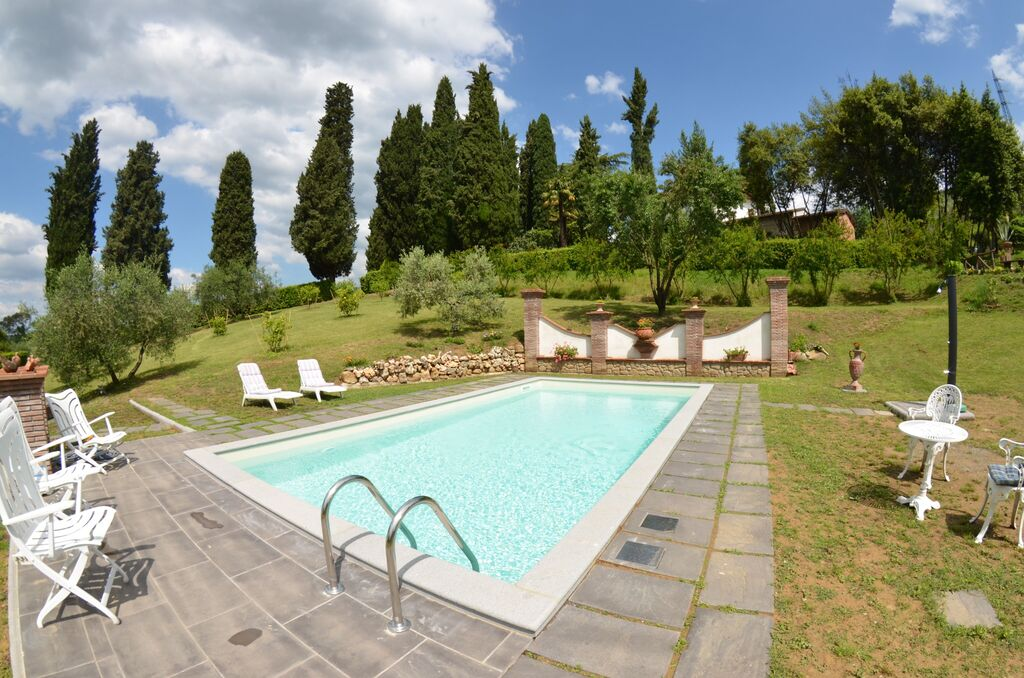 Villas in Tuscany with private pool